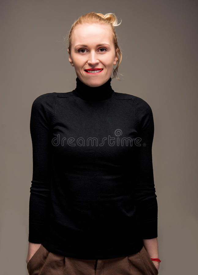 Porträt der eleganten Frau lizenzfreie stockfotos