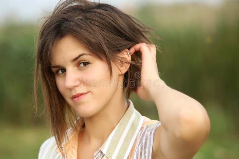Porträt der jungen Frau stockfotografie