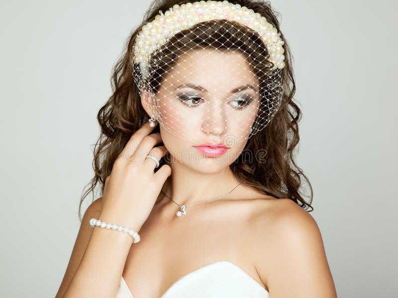 Porträt der schönen Braut. Hochzeitsfoto stockfotografie