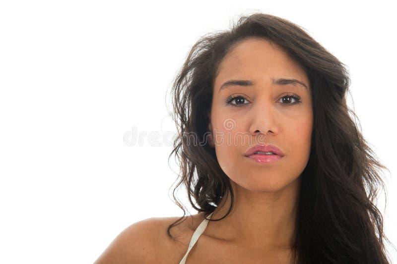 Porträt der schwarzen Frau im weißen bikin lizenzfreies stockfoto