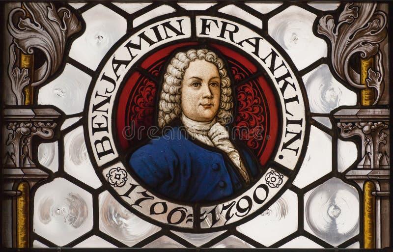 Porträt des amerikanischen Politikers Benjamin Franklin auf Buntglasfenster indide neuem Rathaus münchen lizenzfreie stockfotografie