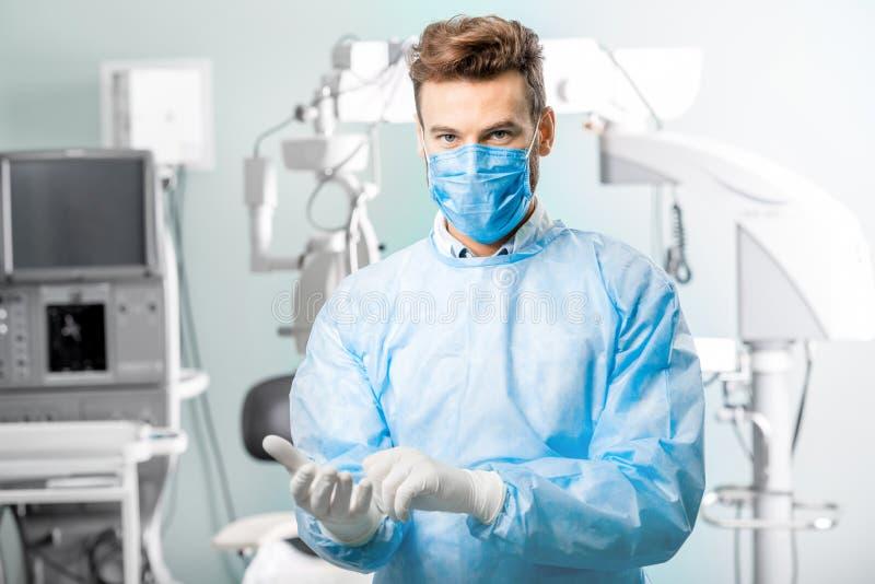 Porträt des Chirurgen lizenzfreie stockbilder