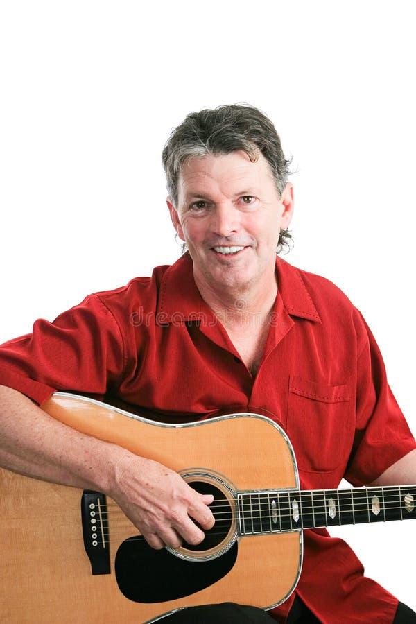 Porträt des Gitarristen auf Weiß lizenzfreies stockfoto