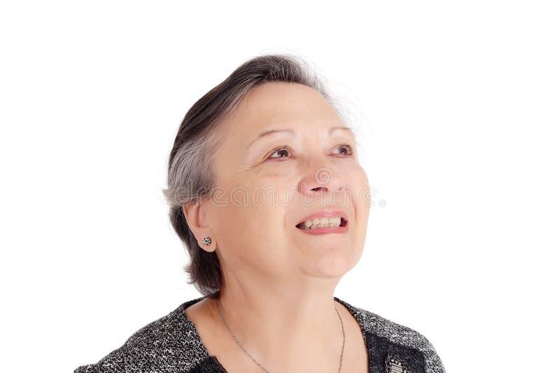 Porträt des glücklichen älteren Frauenlächelns stockfotos