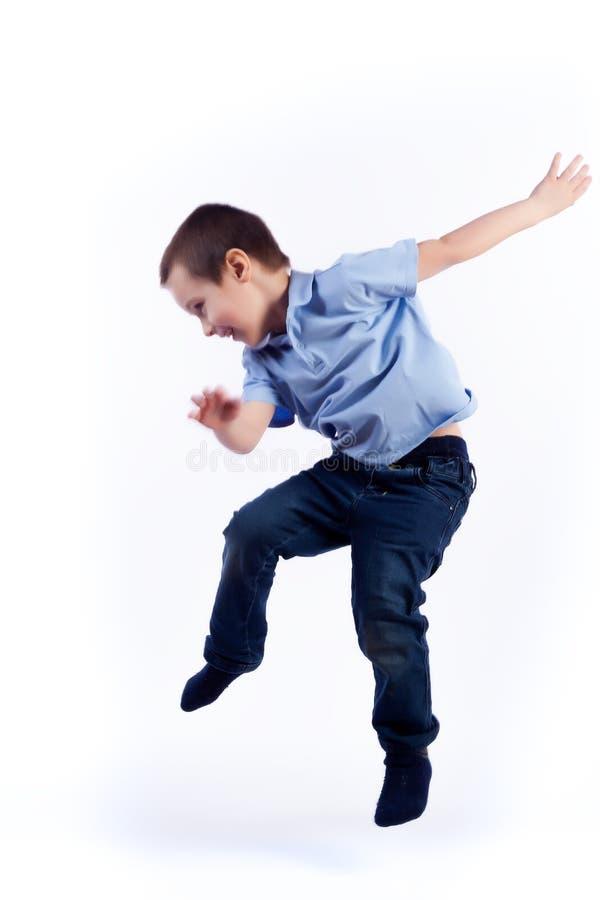 Porträt des glücklichen frohen schönen Jungen lizenzfreies stockbild