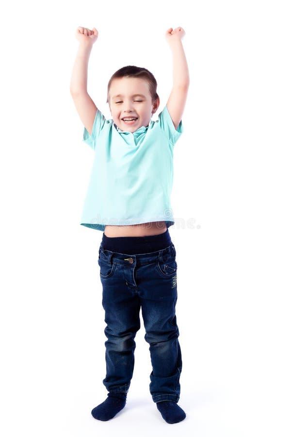 Porträt des glücklichen frohen schönen Jungen lizenzfreie stockfotos