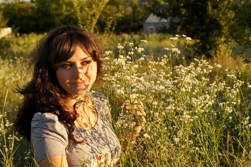 Porträt des kühlen Mädchens lizenzfreie stockbilder
