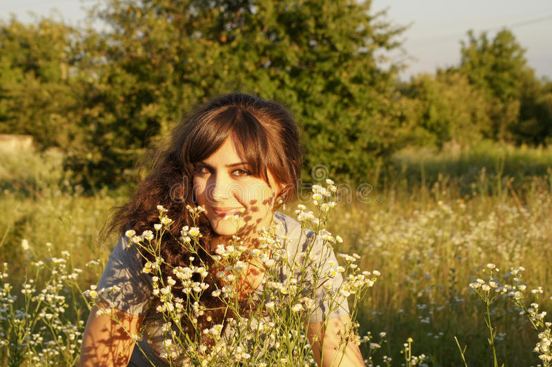 Porträt des kühlen Mädchens lizenzfreies stockbild