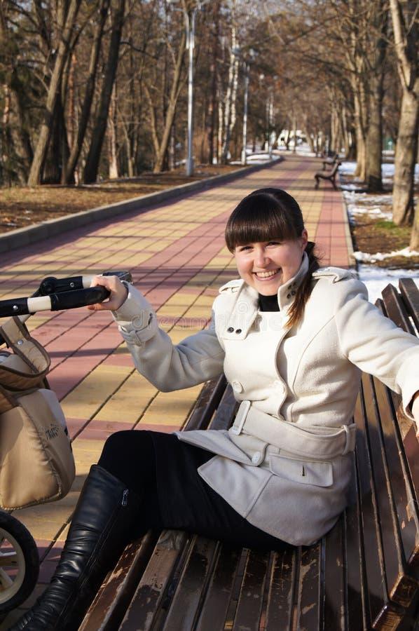 Porträt des kühlen Mädchens lizenzfreie stockfotografie