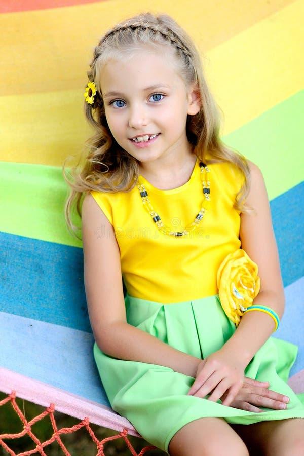 Porträt des kleinen Mädchens lizenzfreies stockfoto