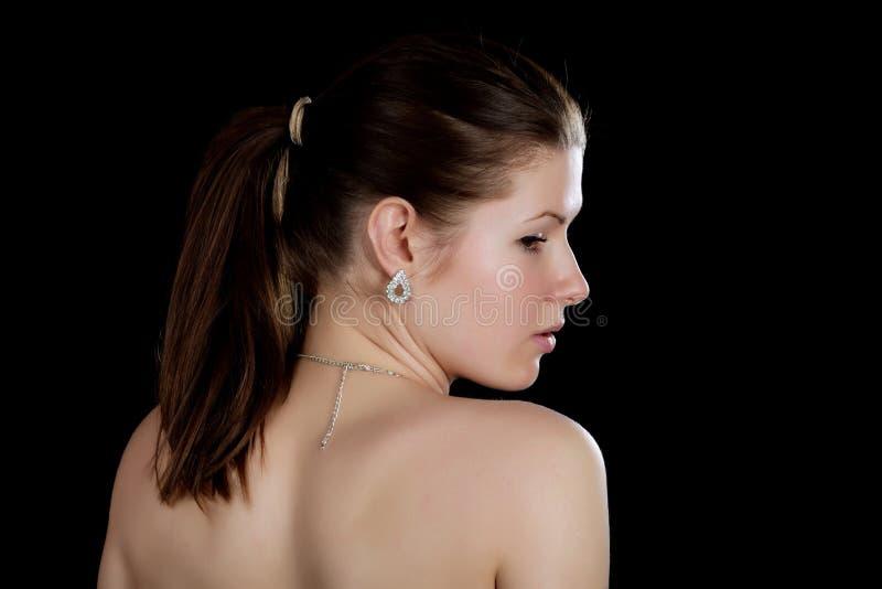Porträt des Mädchens mit den blanken Schultern stockfoto