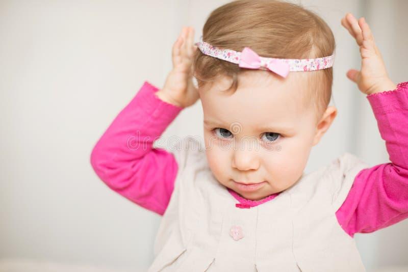 Porträt des netten Mädchens stockfoto