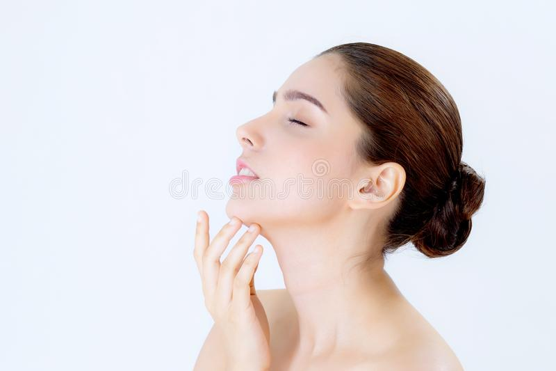 Porträt des schönen asiatischen Brunettefrauenmakes-up von Kosmetik lizenzfreies stockfoto