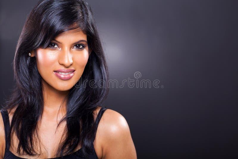 Schöne indische Frau stockfotografie