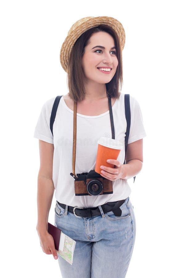 Porträt des Touristen der jungen Frau mit der Kamera, Pass, Karte und Kaffee lokalisiert auf Weiß stockbild