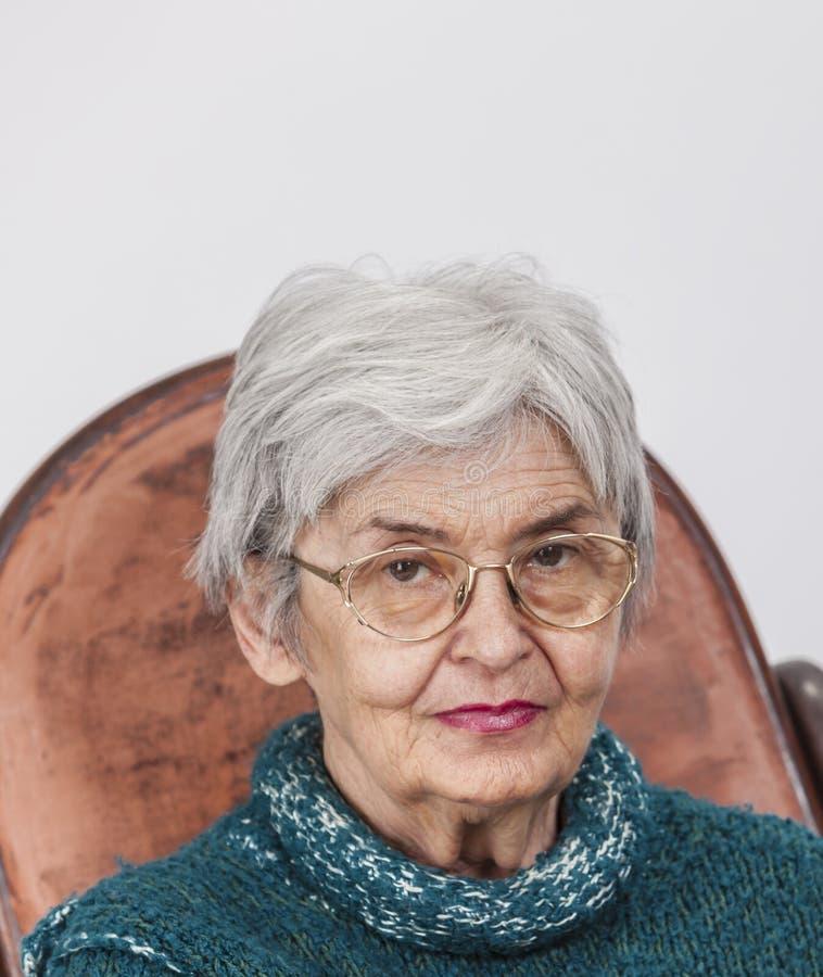 Porträt einer alten Frau stockbild