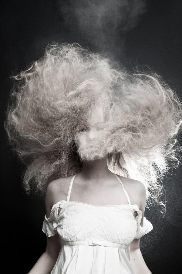 Porträt einer blassen Frau stockbild