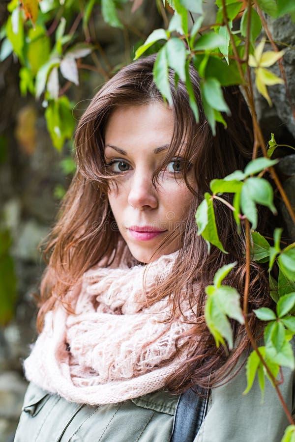 Porträt einer Frau lizenzfreie stockfotografie