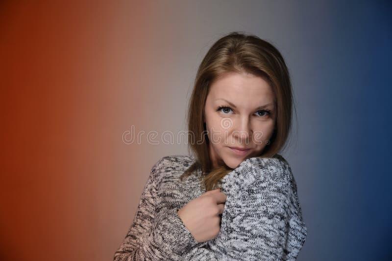 Porträt einer Frau stockfotos