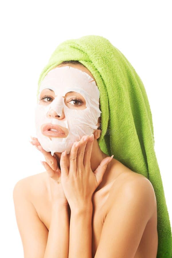 Download Porträt Einer Frau Mit Gesichtsmaske Stockbild - Bild von gesicht, karosserie: 47100207