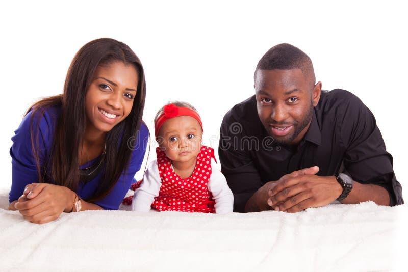 Porträt einer jungen Afroamerikanerfamilie - schwarze Menschen stockbilder