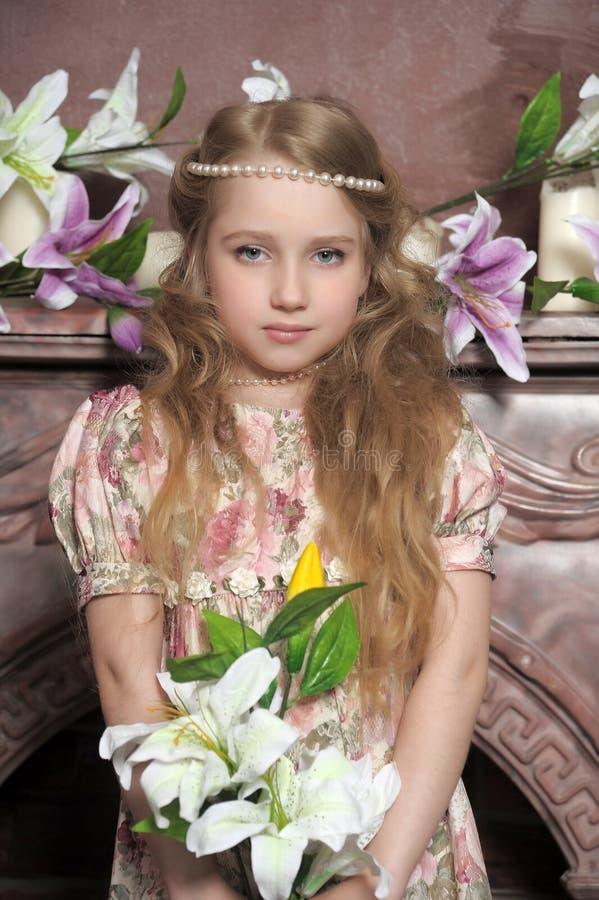 Download Porträt Einer Kleinen Prinzessin Stockfoto - Bild von schwarzes, kaukasisch: 26365844