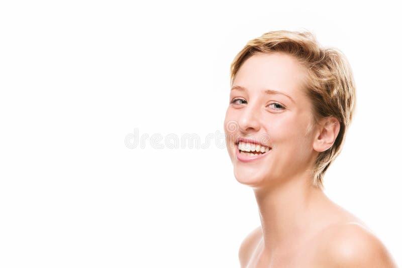 Porträt einer lachenden jungen Frau stockfoto