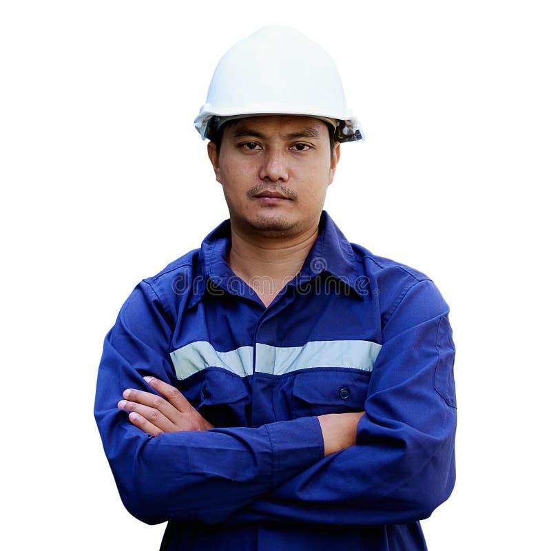 Porträt eines asiatischen Ingenieurs mit weißer Schutzhelmstellung lokalisiert auf weißem Hintergrund stockfotografie