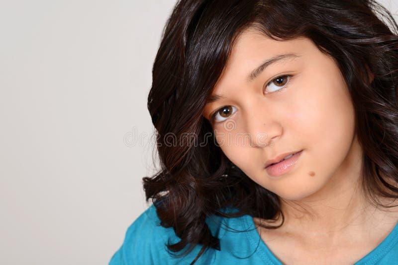 Porträt eines gebürtigen indischen Kindes stockfotos