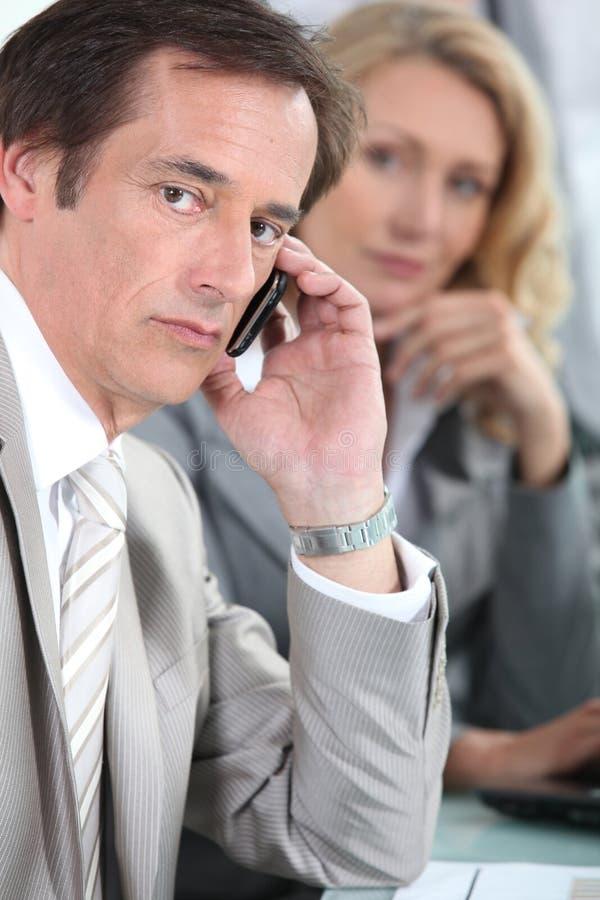Porträt eines Geschäftsmannes lizenzfreies stockbild
