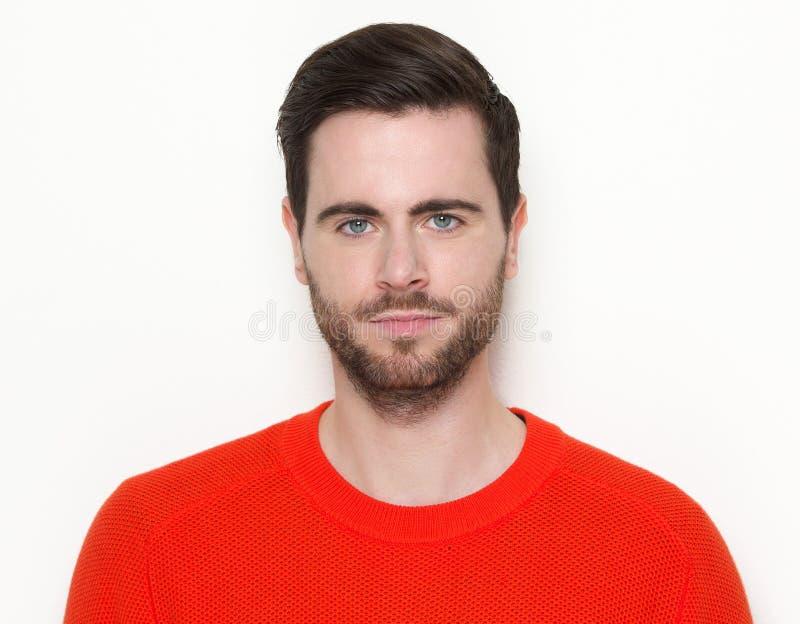 Porträt eines kühlen Kerls mit Bart lizenzfreies stockbild