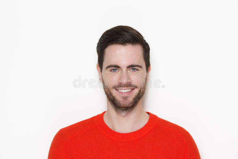 Porträt eines männlichen Mode-Modell-Lächelns stockfotografie