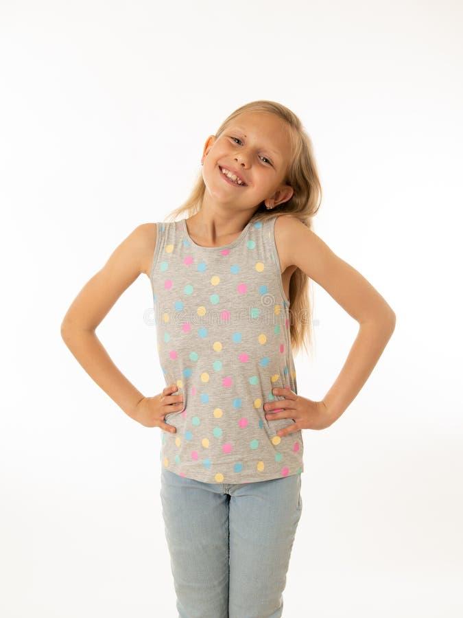 Porträt eines schönen glücklichen, erfolgreichen Mädchens, das Sieg feiert Gesichtsausdruck der menschlichen Gefühle lizenzfreie stockbilder