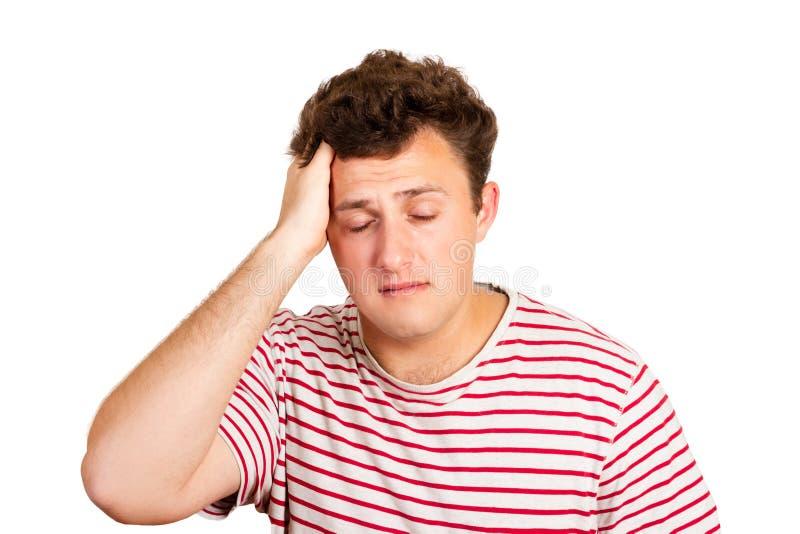 Porträt eines schreienden Mannes, der seinen Kopf in der Verzweiflung hält emotionaler Mann lokalisiert auf weißem Hintergrund lizenzfreies stockbild