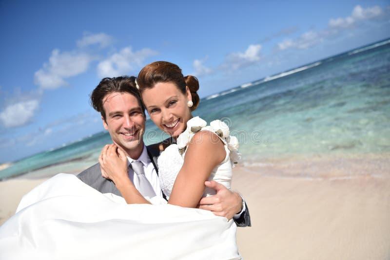 Porträt glücklich des verheirateten Paars in der Liebe stockfoto