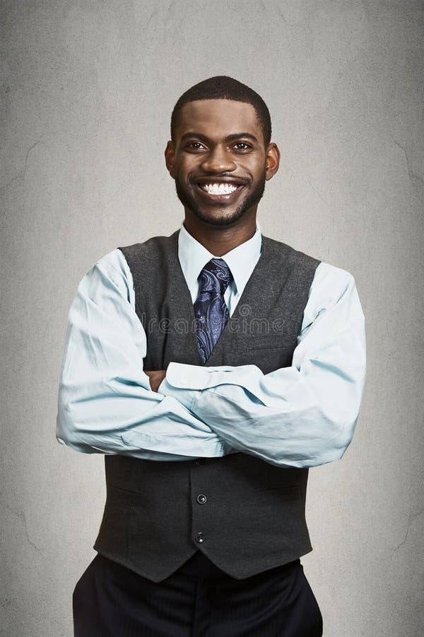 Porträt glücklich, lächelnder leitender Angestellte stockbilder