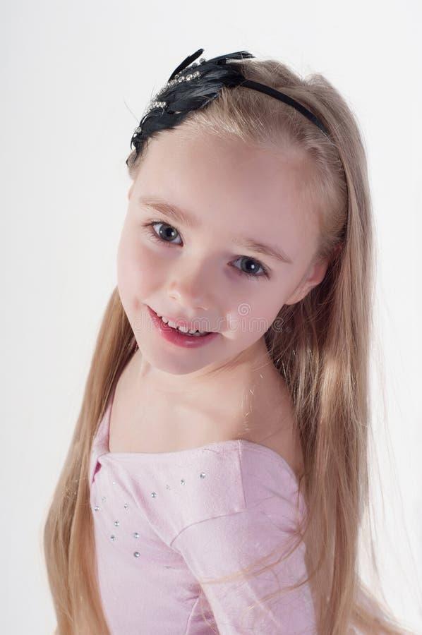 Porträt im blonden Mädchen stockbilder