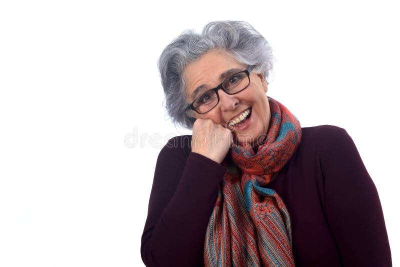 Porträt O eine ältere Frau auf Weiß lizenzfreie stockfotografie