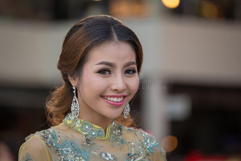 Porträt-thailändisches Mädchen Bangkok, Thailand lizenzfreies stockfoto