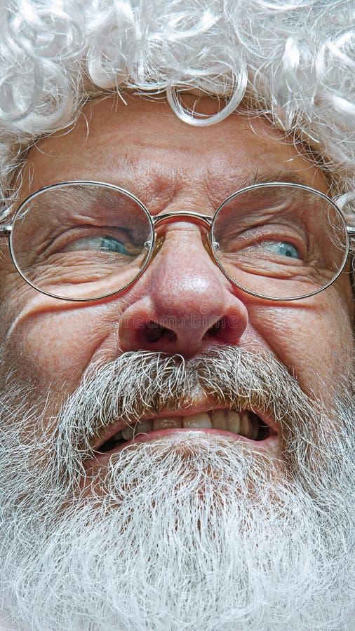 Porträt von glücklicher Santa Claus Weihnachtsfeierkonzept stockfotos