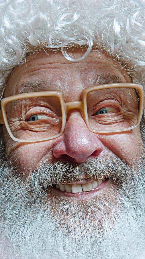 Porträt von glücklicher Santa Claus Weihnachtsfeierkonzept stockfoto