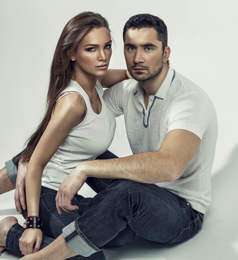 Porträt von schönen Paaren lizenzfreies stockfoto