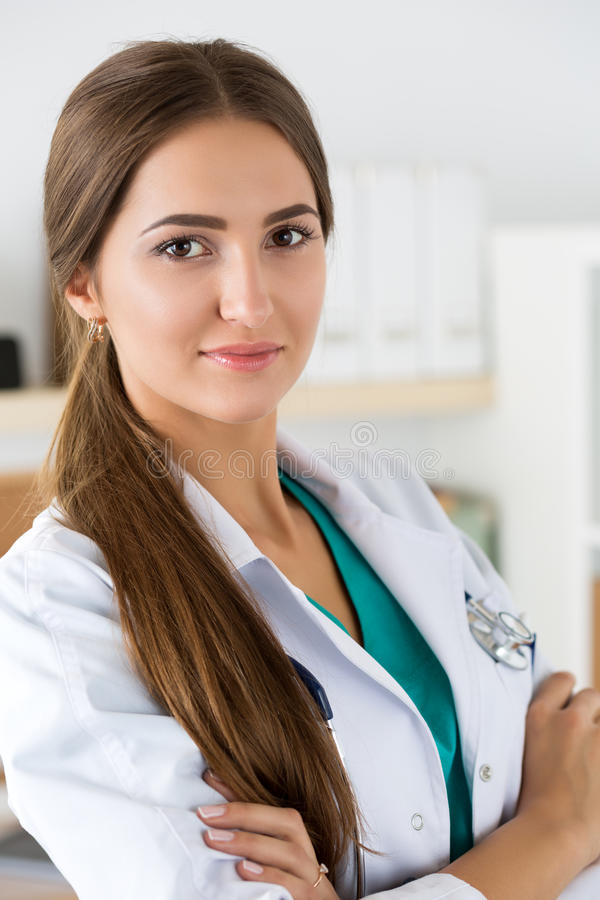 Porträt weiblichen Medizin Therapeutistdoktors stockfotos