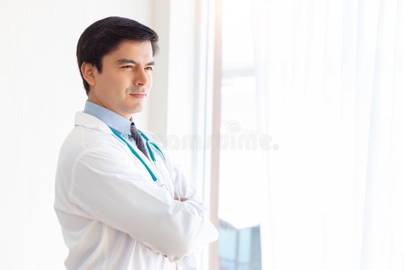 Porträtmaler Arzt Ärzte werden entschlossen, selbstbewusst für die Heilung von Menschen oder plastischen Operationen Ärztestand i stockfotos