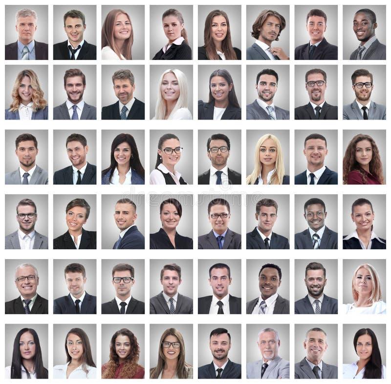 Porträts von den erfolgreichen jungen Geschäftsmännern lokalisiert auf Weiß stockfotos