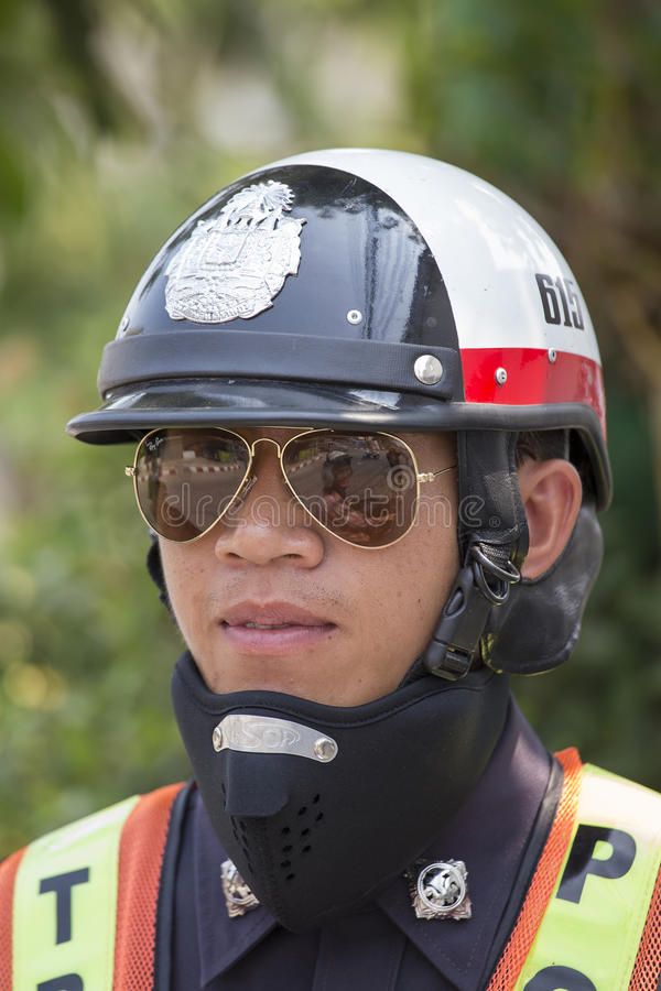Porträtverkehrspolizeioffizier Pai, Thailand lizenzfreie stockfotos