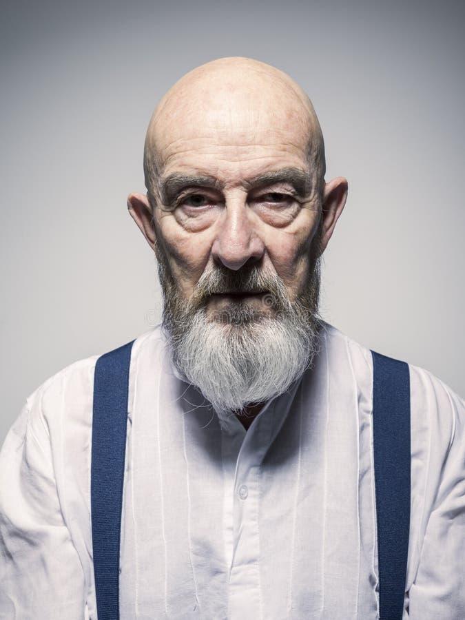 Portrait à l'air étrange d'homme plus âgé image stock