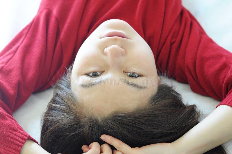 Portrait à l'envers de femme asiatique images stock