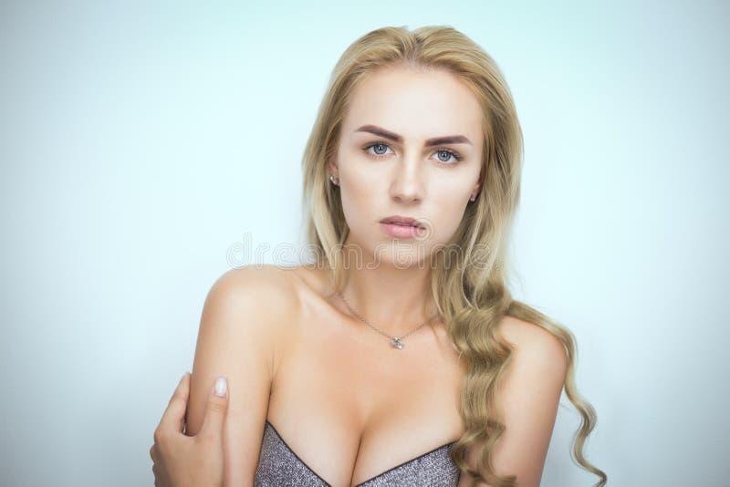 Portrait blond de Bysty photographie stock
