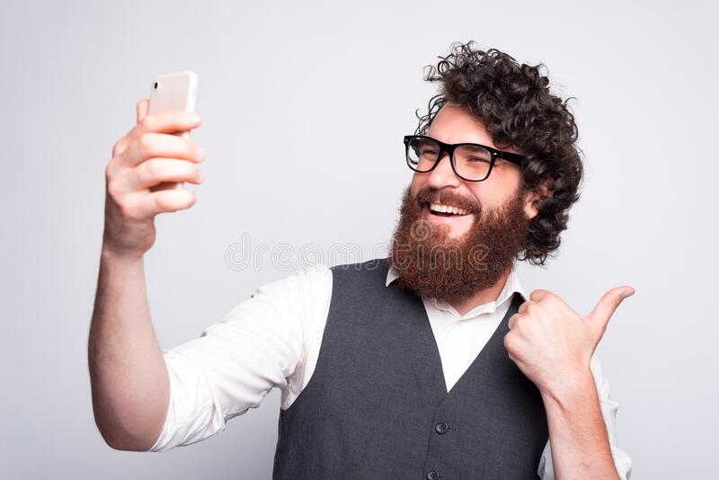 Beard guy selfie with 180 Hilariously